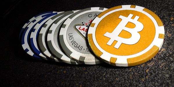 Играть в покер на биткоины