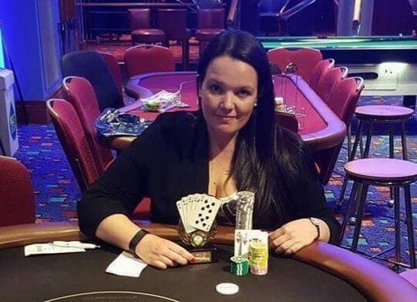 Эмма Фрайер покер